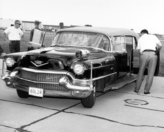 cadillac_convertible_limousine_by_hess_eisenhardt_7