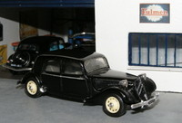115 Citroën Traction 15-6 1939 Solido
