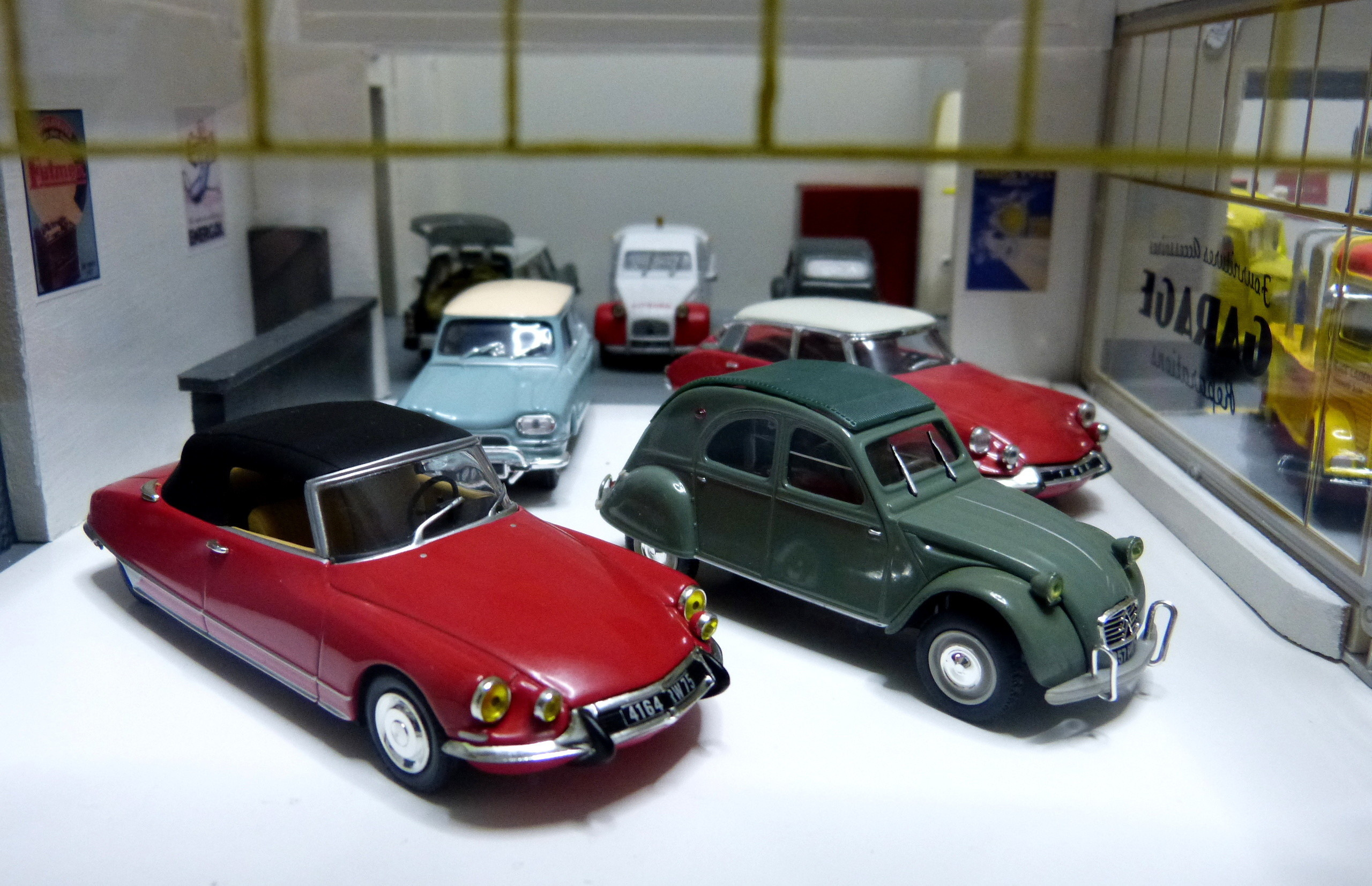 Garage 1960 29 citro n autos miniatures 11b54 photos club - Garage miniature citroen ...