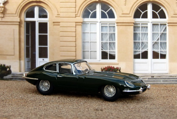Jaguar Type E coupé 1962 Ixo