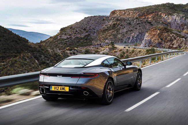 028C01EA08361434-photo-aston-martin-fuite-des-premieres-photos-officielles-de-la-db11