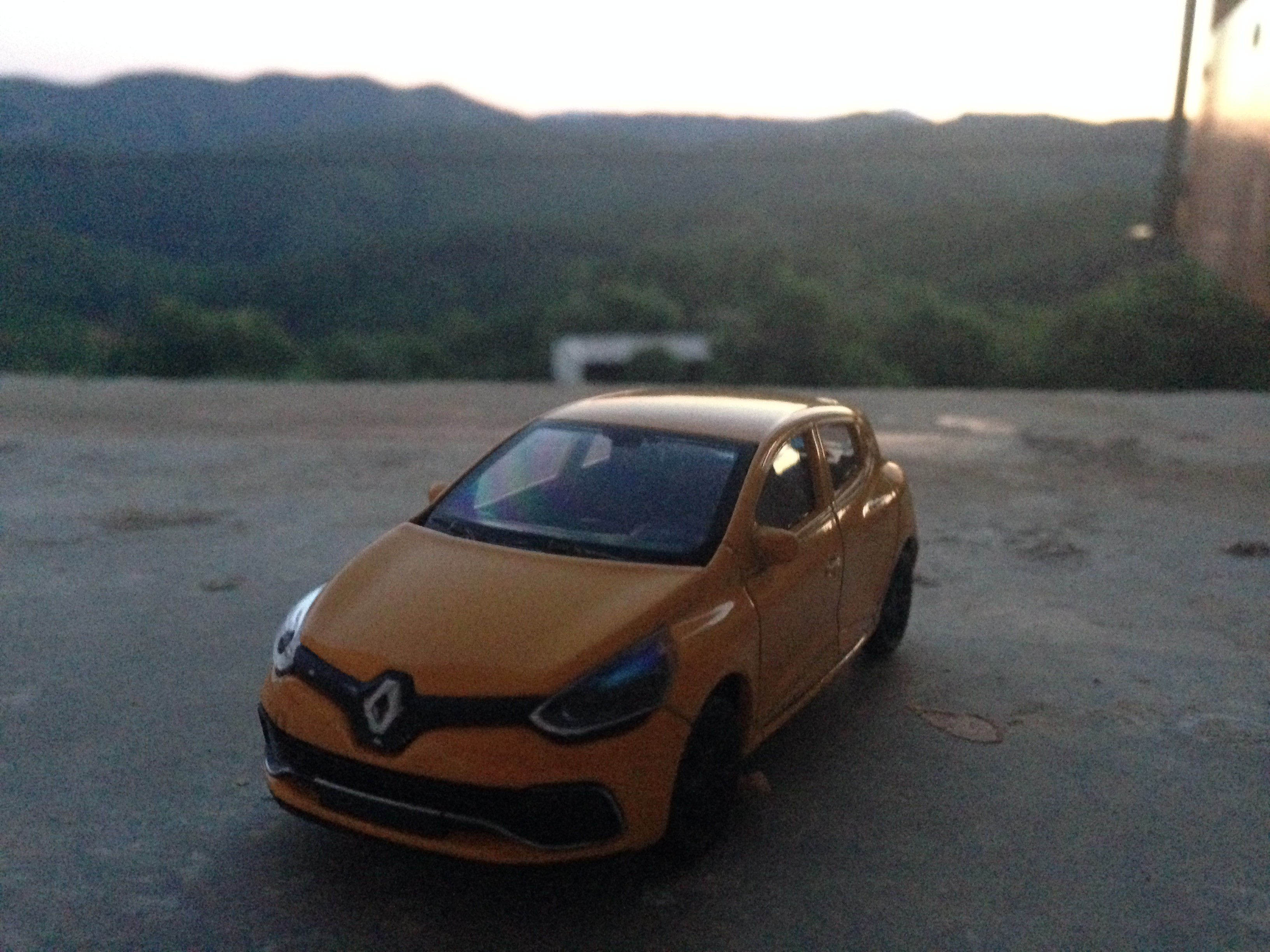 Renault Clio 4 RS Phase 1 Jaune Welly