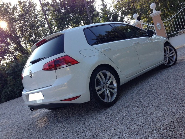ma volkswagen golf 7 tdi 150 carat blanc pur golf volkswagen forum marques. Black Bedroom Furniture Sets. Home Design Ideas