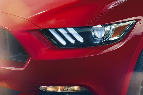Ford_Mustang_2015_012