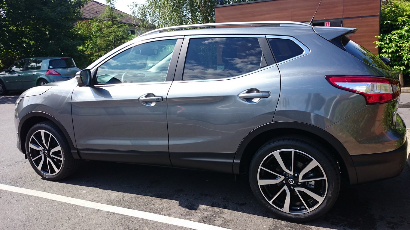 qashqai gris squale nissan qashqai 1 6 dci 130 fap connect edition stop start occasion lyon. Black Bedroom Furniture Sets. Home Design Ideas