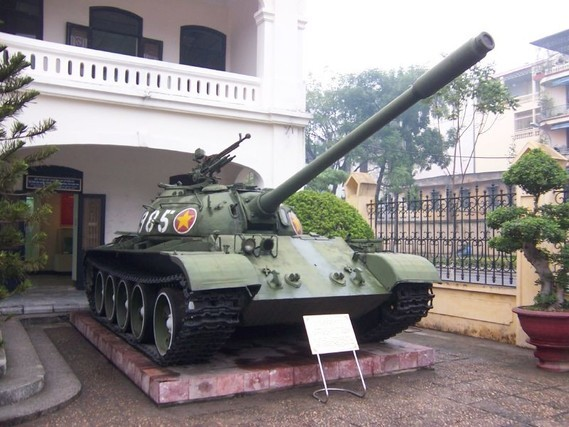 Vietnamese_T-54A_or_Type_59_Hanoi_Army_Museum_3