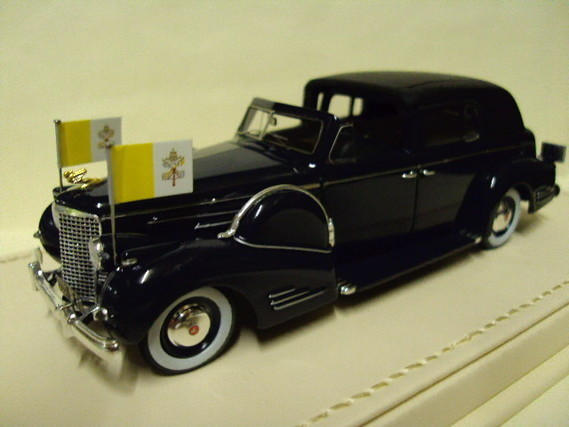 Cadillac series 90 V16 Pape Pie XII 1938