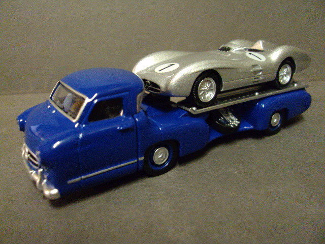 Mercedes Renntransporter + W196        3 inches