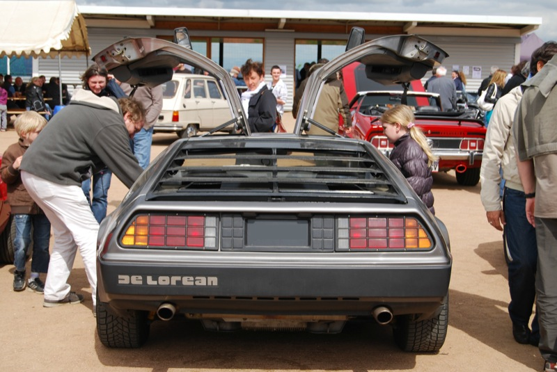 DeLorean DMC-12 2