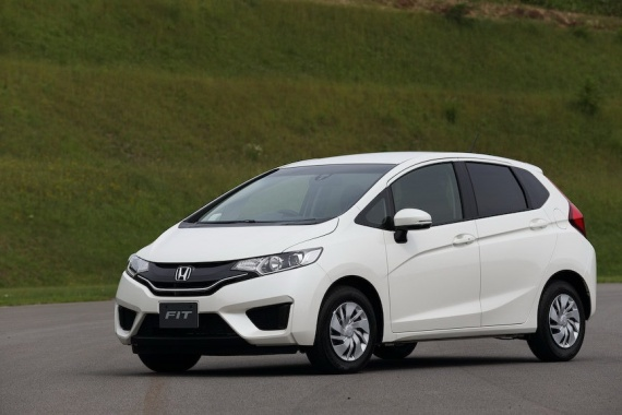 2014-Honda-Fit-Jazz-8[2]