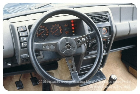 renault5_alpine_turbo_interieur