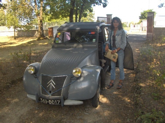 une 2cv au f minin qui ne sera pas une r plique restaurations anciennes forum collections. Black Bedroom Furniture Sets. Home Design Ideas