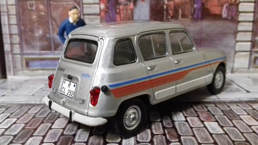 Renault 4 Funny