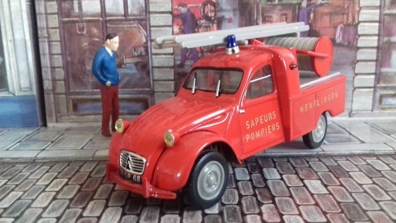 Citroen 2 CV pick-up pompiers