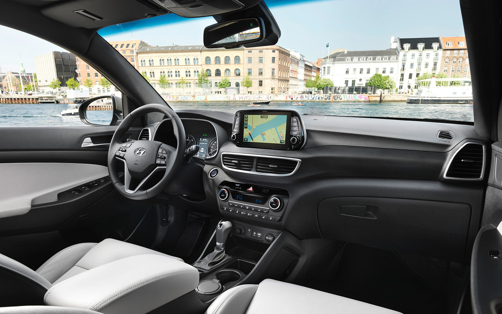 hyundai-tucson-july2018-47-interior-1610