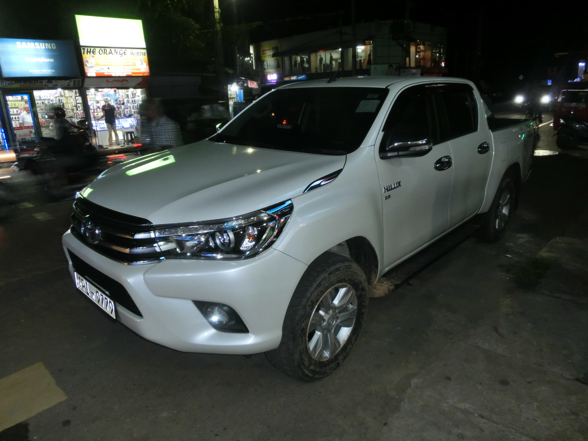 nouveau toyota hilux 2015 2016 hilux toyota forum marques. Black Bedroom Furniture Sets. Home Design Ideas