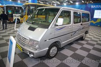 Tata-Winger-DICOR-BS4-front-three-quarters-at-the-Bus-and-Special-Vehicle-Show-2015-1024x682