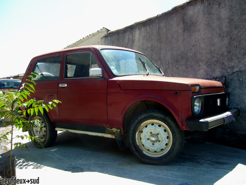 post n2s lada niva 13 citronds neuf deux sud photos club. Black Bedroom Furniture Sets. Home Design Ideas