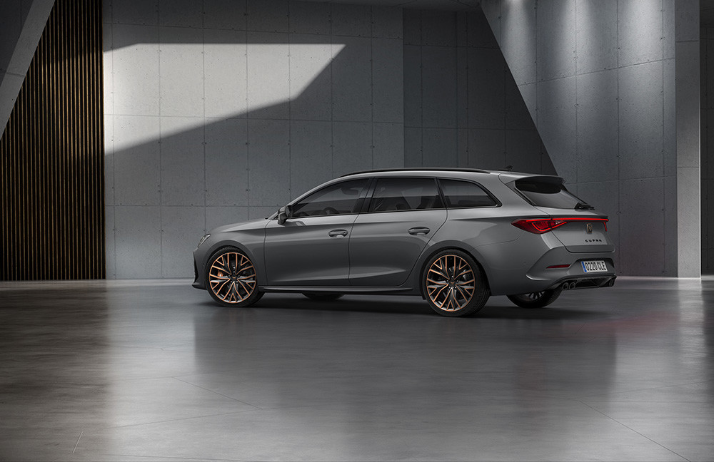 CUPRA-opens-the-doors-of-its-new-headquarters-with-the-debut-of-the-first-CUPRA-Leon_05_HQ