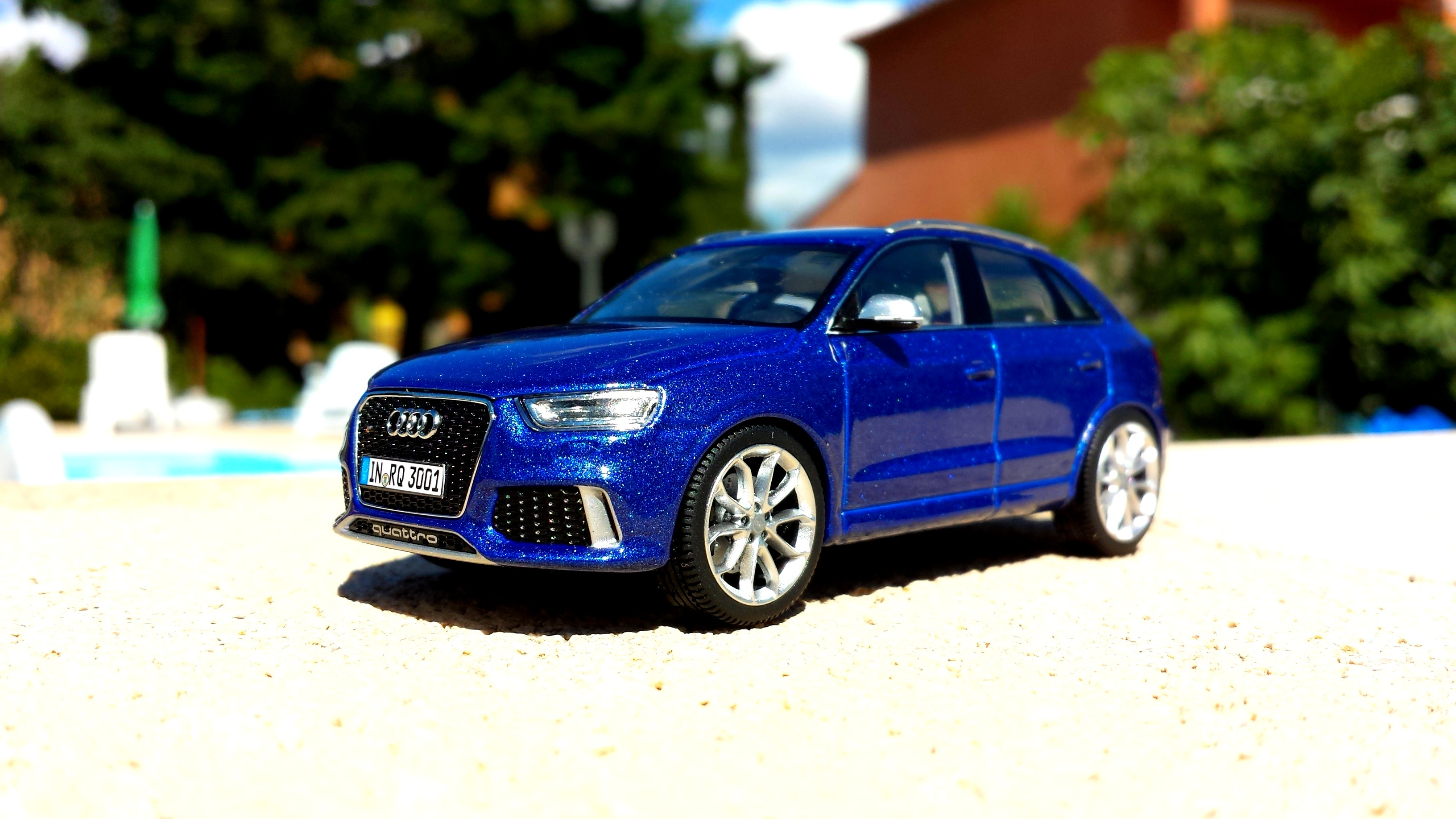 Audi RS Q3 by Schuco