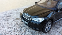 BMW X6 by IXO