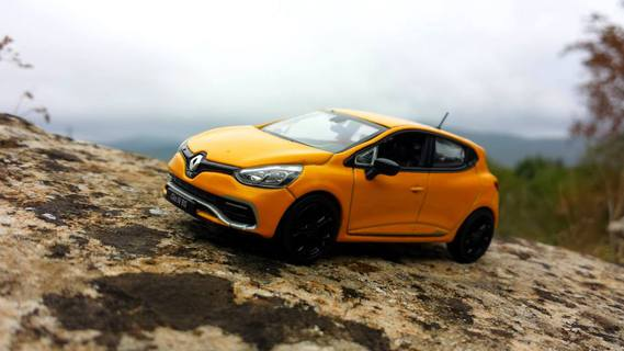 Renault Clio 4 RS by Norev