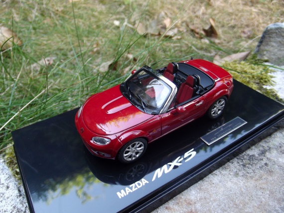 mazda mx 5 miniatures jm 94 photos club. Black Bedroom Furniture Sets. Home Design Ideas