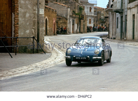 ATF joseph-thomas-in-an-alpine-a110-renault-in-the-targa-florio-sicily-DH6PC2