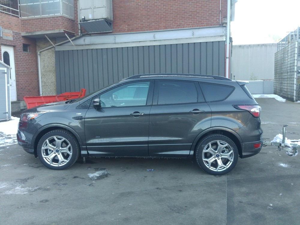 ford kuga restyl escape page 58 kuga ford forum marques. Black Bedroom Furniture Sets. Home Design Ideas