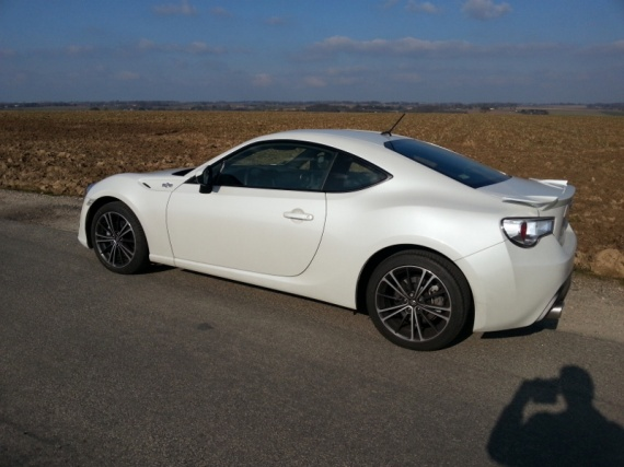 ma gt 86 blanc nacr pr gt 86 toyota forum marques. Black Bedroom Furniture Sets. Home Design Ideas
