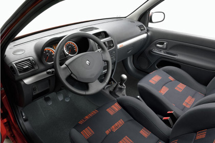 clipclop_1081490124_fr_clio_extreme_emag_avril1