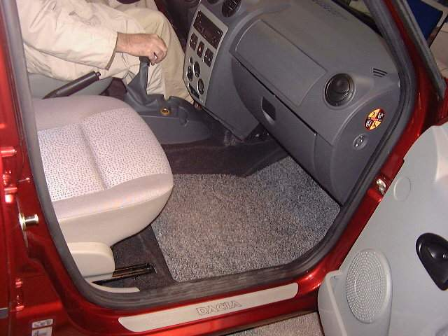 nous75_1116279703_int_airbags