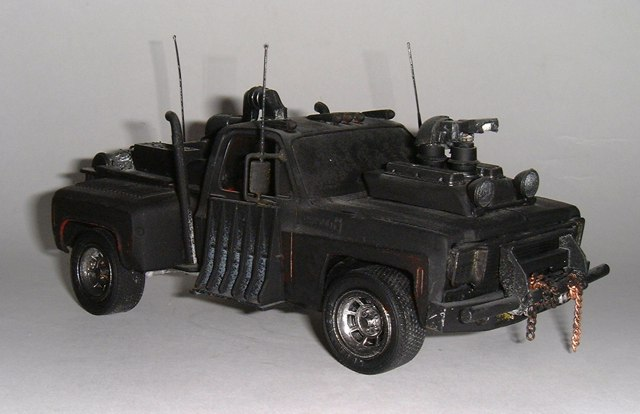 gv_creations_1129895625_chevrolet_pick_up___mad_max____03
