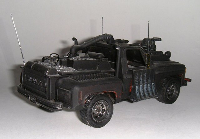 gv_creations_1129895643_chevrolet_pick_up___mad_max____05