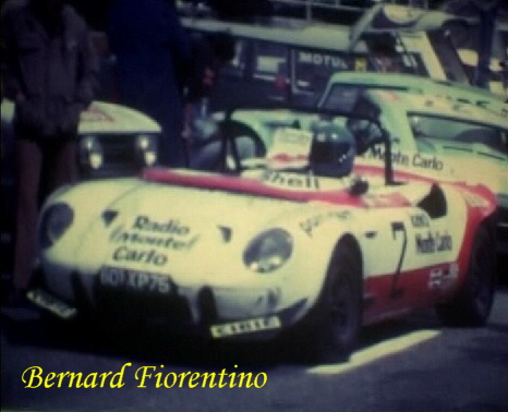 ghis48_1142708129_fiorentino_stands_3